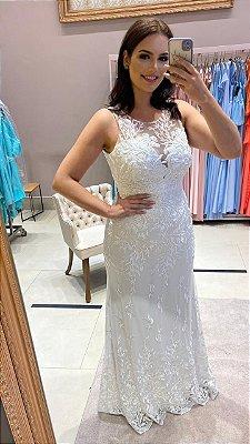 Vestido de noiva longo bordado, decote coração, saia semi sereia, busto e ombros em tule bordado