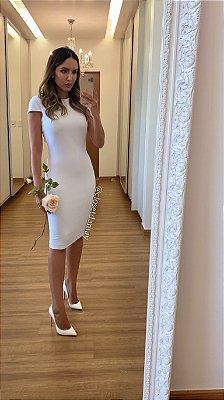 Vestido de noiva midi, mangas curtas, decote nas costas