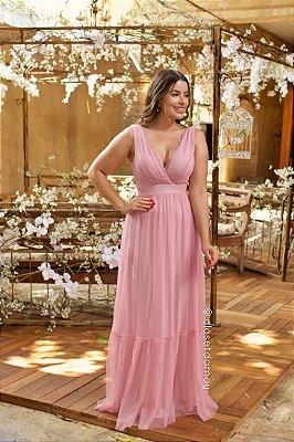 Vestido longo de festa em tule com renda no decote e saia evasê, ideal para madrinhas e convidadas