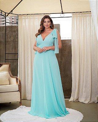 Vestido de festa plus size longo, com alças em laço e detalhes na lateral