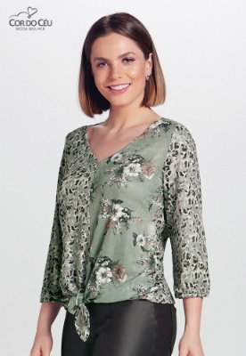 Blusa de Malha Rendada com Amarração Frontal