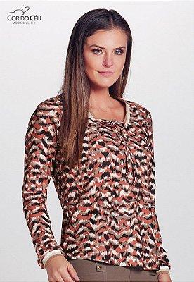 Blusa em Malha Crepe Estampada com Detalhe no Decote