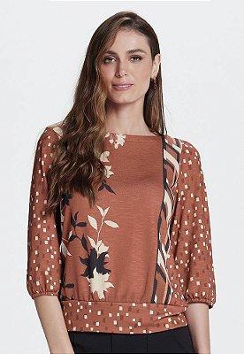 Blusa em Malha Texturizada e Barrado Blusê