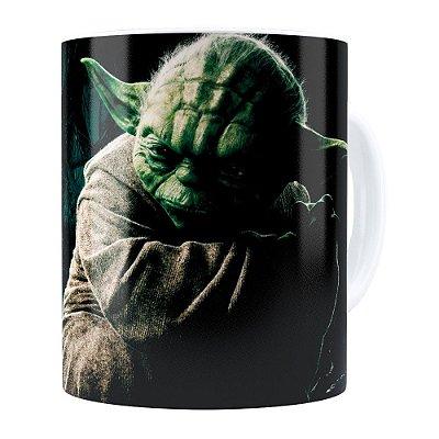 Caneca Star Wars Mestre Yoda v03 Branca