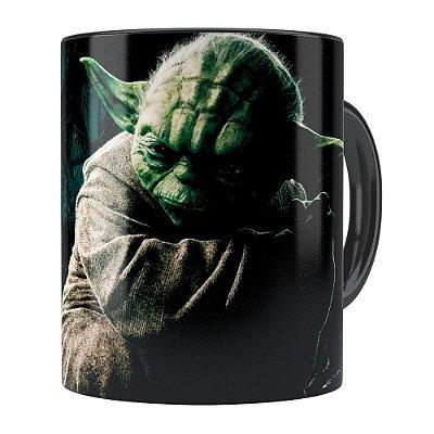 Caneca Star Wars Mestre Yoda v03 Preta