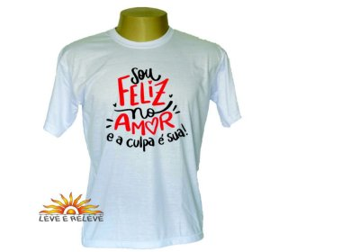 Camiseta Feliz no amor