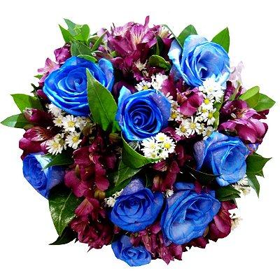 Buque Com 08 Rosas azuis Degradê e Astromélias
