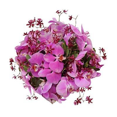 Buquê Sofisticado com Orquídeas Roxas