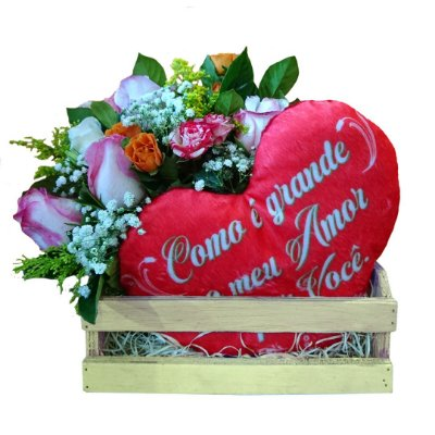 Cesta com Pelúcia Coração + Buquê com Mini Rosas