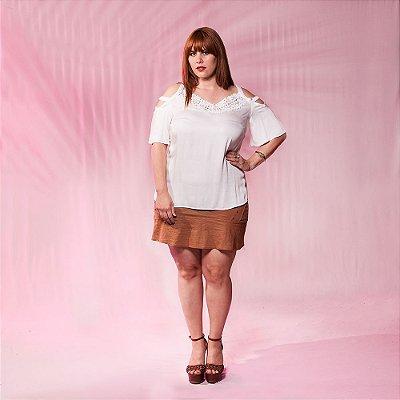 Blusa de Viscose com Detalhe Ombro - Plus Size
