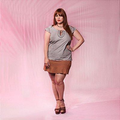 Blusa Listrada Bordada - Plus Size