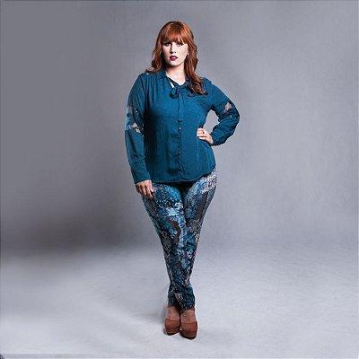 Camisa com detalhes em Tule Bordado com Laço - Plus Size