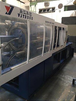 Injetora YJ modelo YJT 2000,  200 Toneladas de fechamento