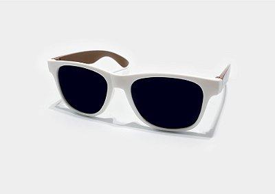 01 - Óculos Branco/Madeira
