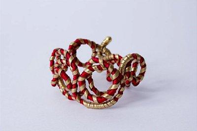 Pulseira arame com fios dourado e vermelho