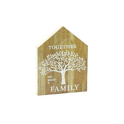 Quadro de Madeira em Formato de Casa Família