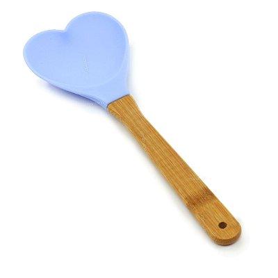 Colher de Silicone Coração com Cabo em Bambu Azul