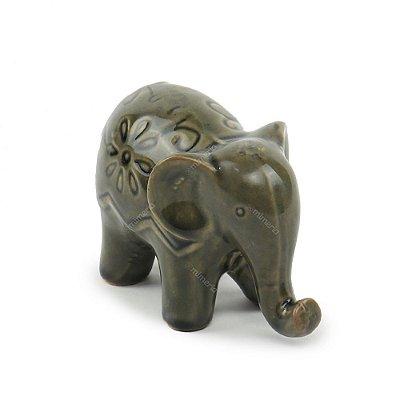 Elefante Decorativo em Cerâmica com Flores Cinza