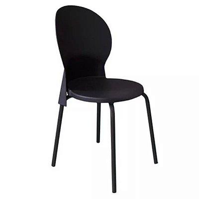 Cadeira Luna em polipropileno com base preta