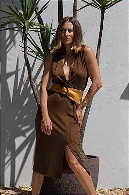 Vestido decote transpassado com fenda