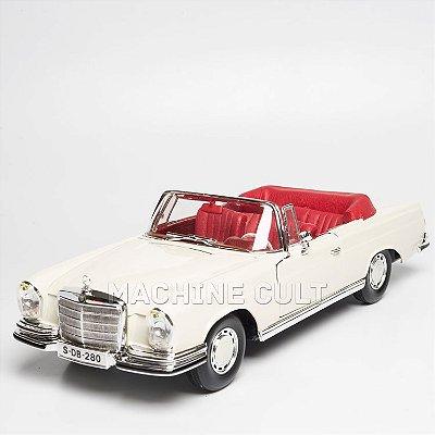 Miniatura 1967 Mercedes-Benz 280SE - Maisto 1:18