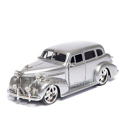 Miniatura Chevy Master Deluxe 1939 - Prata - Jada 1:24