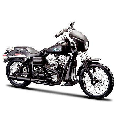 Miniatura Moto Sons of Anarchy Tig - 2006 Harley-Davidson FXDBI Dyna Street Bob - Maisto 1:18
