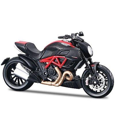 Miniatura Ducati Diavel Carbon Maisto 1:18