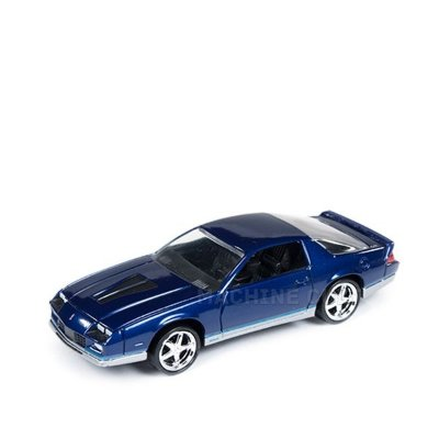 1984 Chevy Camaro Z28 Azul - Auto World 1:64