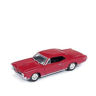 1966 Pontiac GTO Vermelho - Auto World 1:64