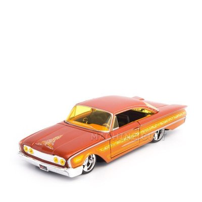 Miniatura 1960 Ford Starliner - All Stars Maisto - 1:26