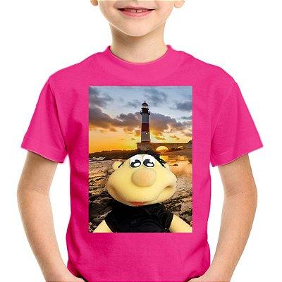 Camiseta Infantil Brutinho no Farol de Itapuã
