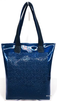 Bolsa Feminina Impermeável na Cor Verniz Azul com Flores em Alto Relevo
