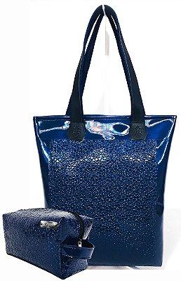 Kit Feminino - Bolsa + Necessaire na Cor Verniz Azul com Flores em Alto Relevo