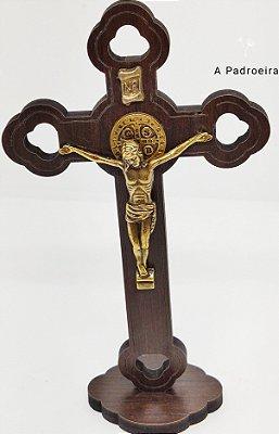 Crucifixo de mesa em madeira