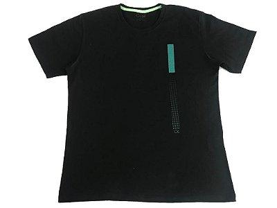 Camiseta Manga Curta Ogochi Slim Preta Detalhe Verde