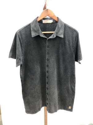 Camisa manga curta preta marmorizada