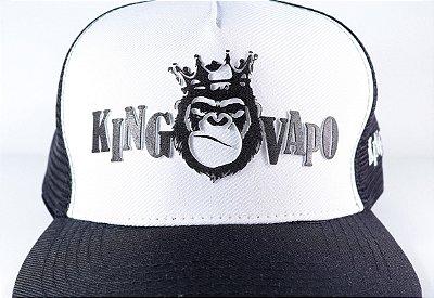 Boné KingVapo exclusivo, frente emborrachado relevo, lateral esquerda bordado, atras emborrachado e botão de ferro.