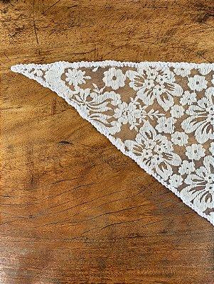 Véu Branco Triangular - Solteiras