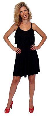 Vestido curto preto com pala, modelo verão 2016