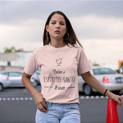 Camiseta Deixe O Espírito Santo Te Usar
