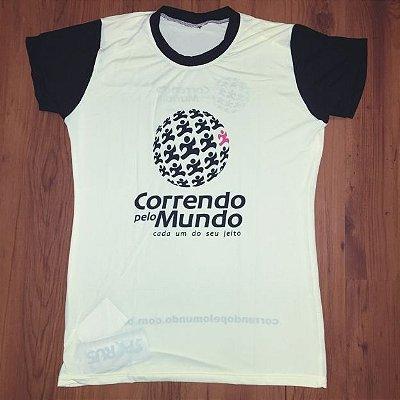 CAMISETA CORRENDO PELO MUNDO - LINHA CREPE - 100% POLIAMIDA - FEMININA BABY LOOK - AMARELO CÍTRICO C/ PRETO - TAM. P