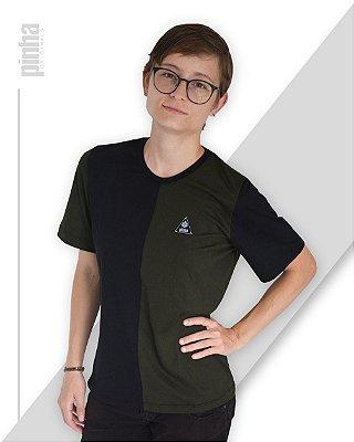 Camiseta Half-Side- Sustentável Preto e Verde musgo - Pinha Originals