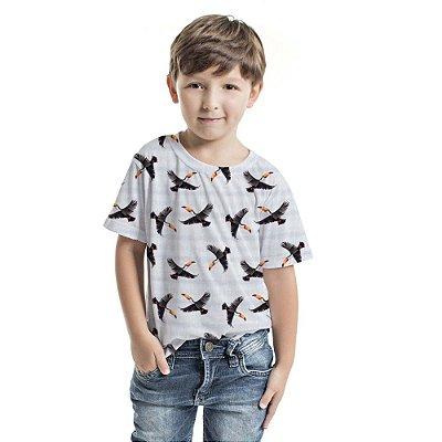 Camiseta Básica Infantil Tucanos Voando