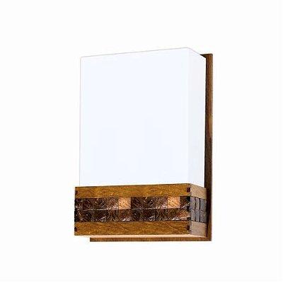 Arandela Accord Iluminação Pastilhada Linear Acrílico Madeira Natural 30x20cm 1x E27 110v 220v Bivolt 443 Sala Estar Quartos