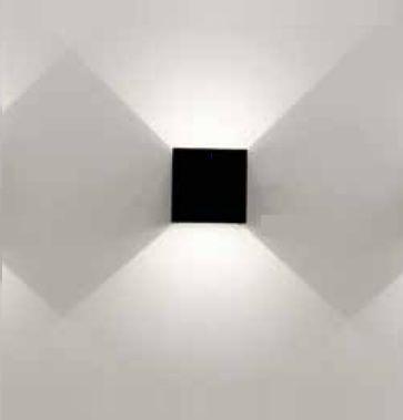 Arandela Newline Iluminação Cubo Sobrepor Facho Regulável Alumínio Preto 10x10cm 1x LED 6W 3000K Bivolt 110v 220v 570PT Parede Muro Banheiro Sala