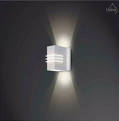Arandela Usina Design Branca Retangular Metal Luz Frontal Decorativa 8x12 Cleo G9 5230/10 Escadas Quartos.