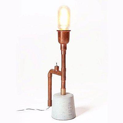 Abajur LUMINÁRIA DE MESA Klaxon Iluminação 1706 Base concreto Tubular Canos Franklin 7,5 cm x 21 cm x 7,5 cm