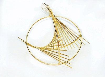 Escultura Bola DNA Dourada