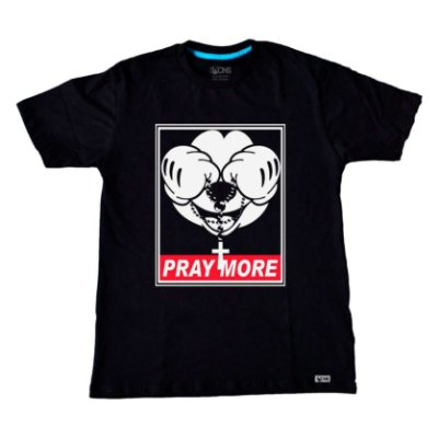 Camiseta Pray More